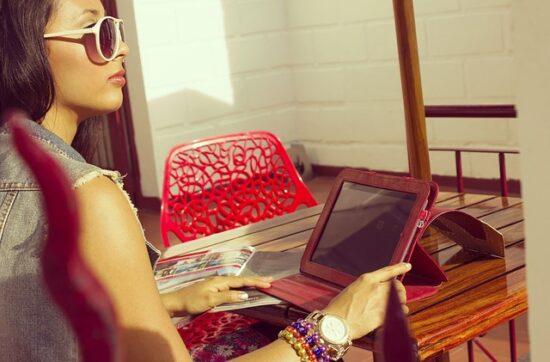 daca lucrezi de acasa nu inseamna ca esti singura freelancer antreprenoriat feminin tuincentru.ro
