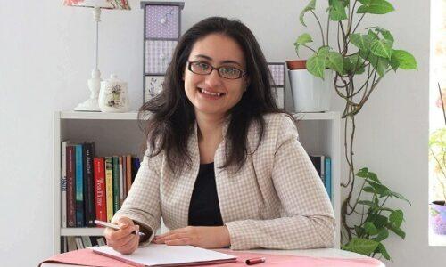 """<h2><a href=""""https://www.tuincentru.ro/roxana-bucur-educatia-financiara-si-educatia-investitionala-piloni-pentru-independenta-financiara/"""">Roxana Bucur: Educația financiară și educația investițională – piloni pentru independența financiară<a href='https://www.tuincentru.ro/roxana-bucur-educatia-financiara-si-educatia-investitionala-piloni-pentru-independenta-financiara/#comments' class='comments-small'>(0)</a></a></h2>Roxana Bucur este Specialist în psihologia banilor și a pus bazele companiei sale dedicată educației fianciare pentru copii și serviciului de planificare și consultanță financiară pentru angajați și antreprenori.Vă las"""
